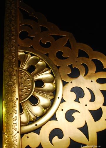 Shrine doors