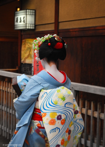 As the afternoon progressed, I made my way to Hanamikoji-dori in the hope of catching a glimpse of a maiko or geiko. This street is said to be the best place in Kyoto to see these elusive women as it is lined with with tea houses or ochaya (where geiko and maiko entertain clients), and there is a large geisha house (okiya) on the corner of Hanamikoji-dori and Shijo-dori. After 2 hours pacing up and down this street alone, it was amazing to see not one, but 8 of them going to their evening appointments. Total fangirl moment! The evenings are the best time to see maiko and geiko.